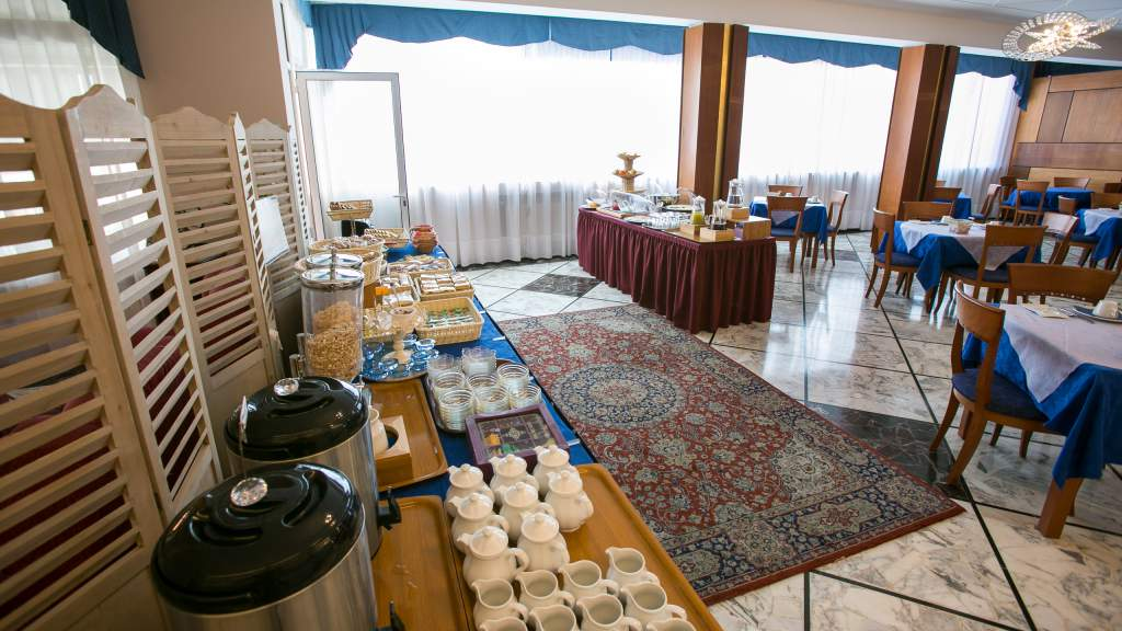 hotel-ariston-imperia-buffet-4