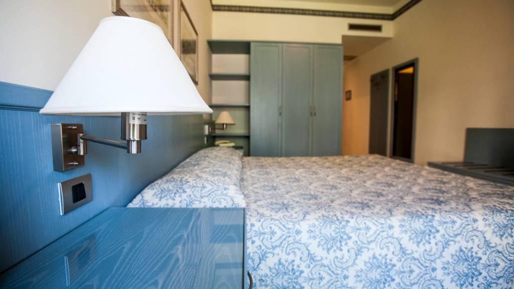 hotel-ariston-imperia-doppelzimmer-balkon-1