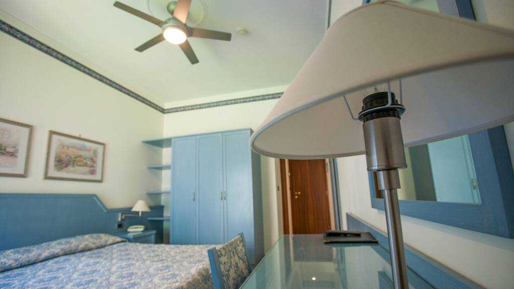 hotel-ariston-imperia-double-room-balcony-9