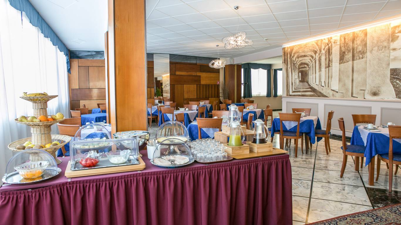 hotel-ariston-imperia-buffet-2