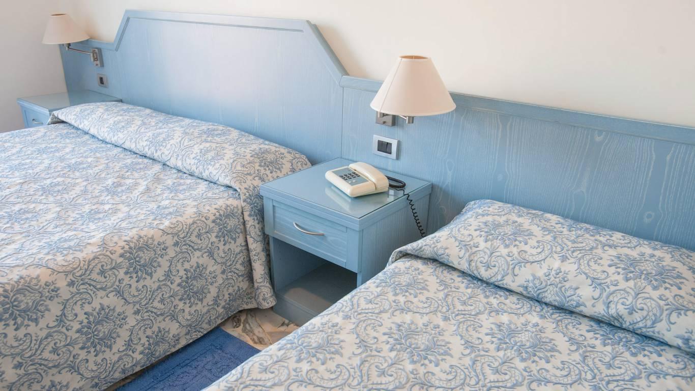 hotel-ariston-imperia-dreibettzimmer-2