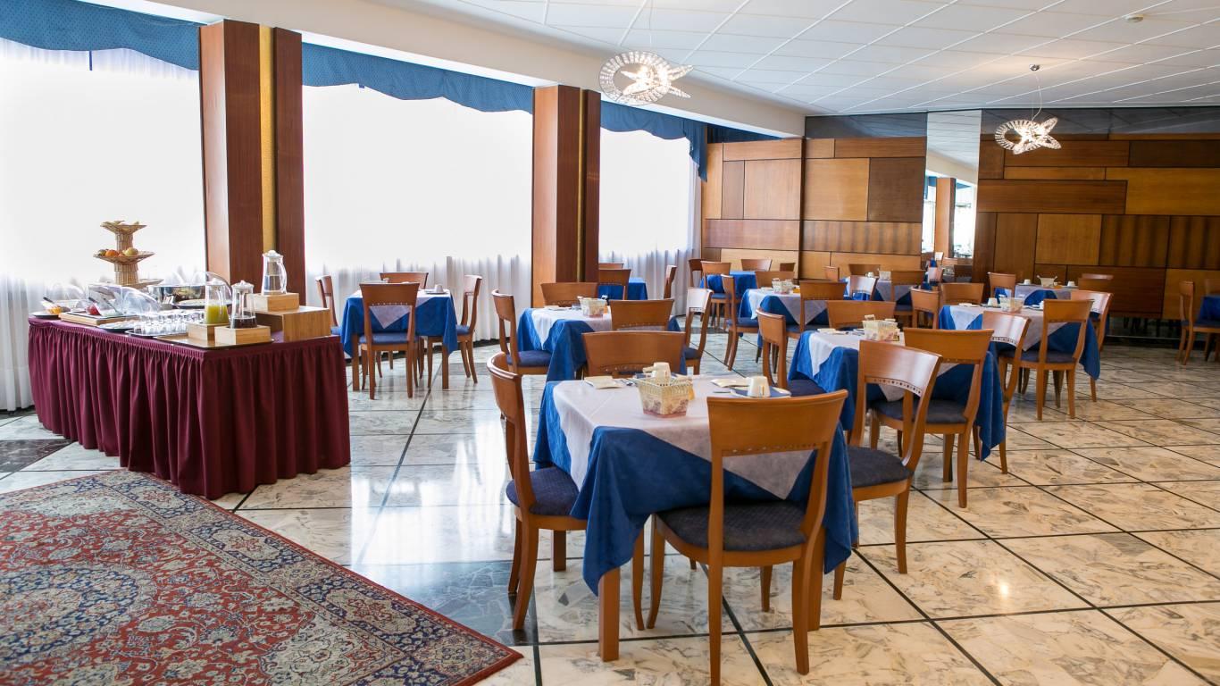 hotel-ariston-imperia-neuer-fruestueckraum-3