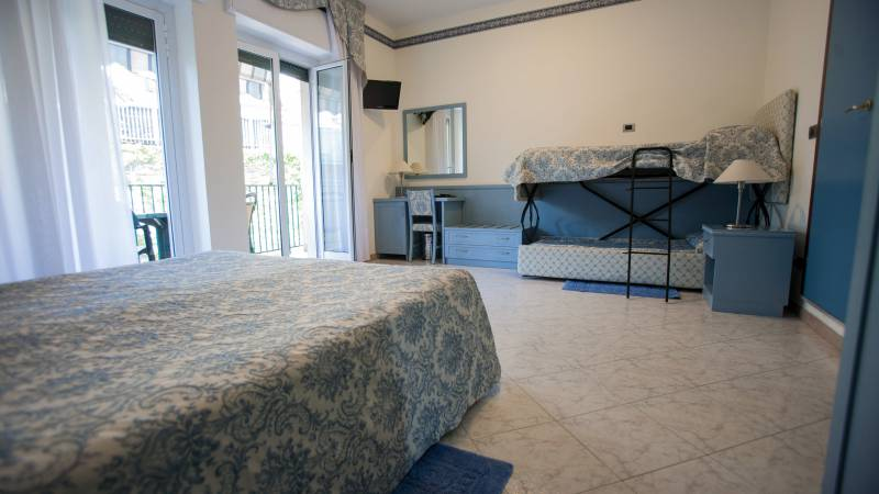 hotel-ariston-imperia-family-room-2