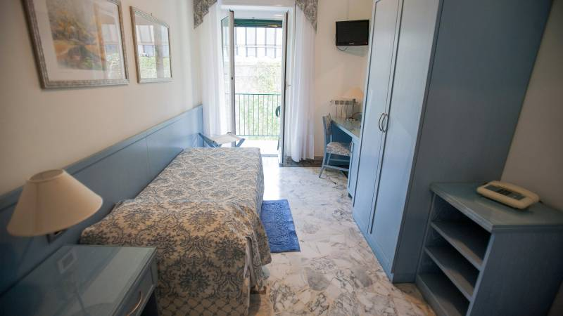 hotel-ariston-imperia-single-room-5