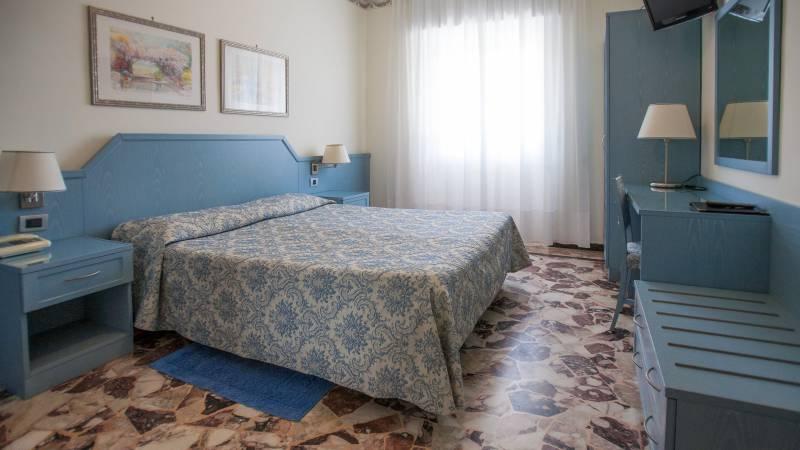 hotel-ariston-imperia-economy-doppelbettzimmer-2
