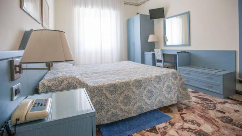 hotel-ariston-imperia-economy-doppelbettzimmer-4